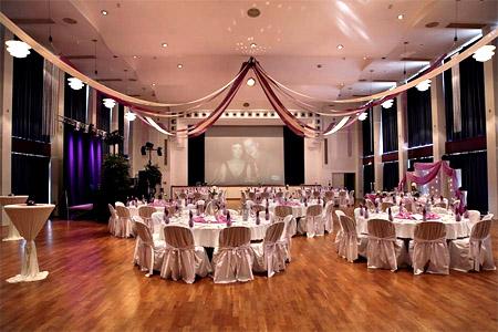 Hochzeitsdeko Saal