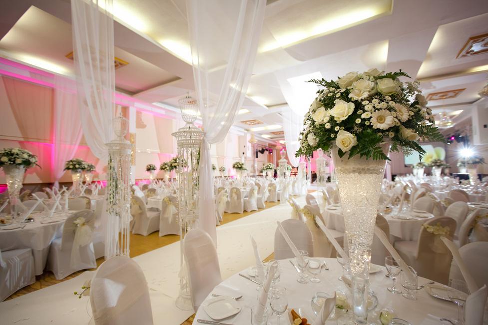 Hochzeitssaal le royal in hamburg hochzeitssaal for Saaldekoration hochzeit