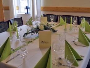 Hochzeit Deko Grün-Weiß