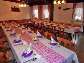 Hochzeit-Deko in Pink-Weiß