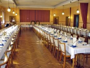 Saal, Hochzeitsgesellschaft