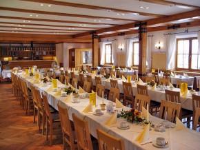 Saal Tischdekoration Gelb-Weiss