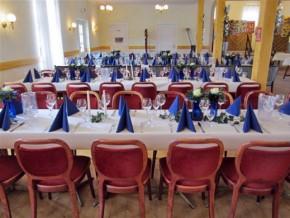 Tischdekoration Blau-weiß