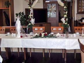 Hochzeitstisch. Deko