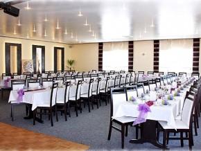 Saal für 100 Personen