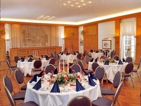 Saal für 140 Personen