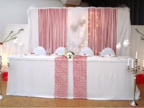 Brauttischdekoration in Rosa-Altrosa