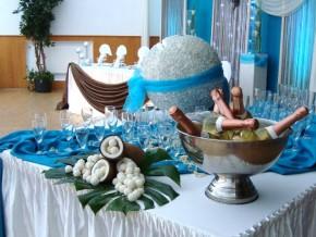 Sekttisch dekorieren für Hochzeit / Geburtstag