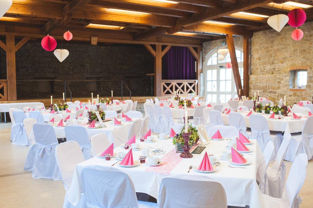Runde Tische Franksche Scheune Ilshofen für Hochzeit