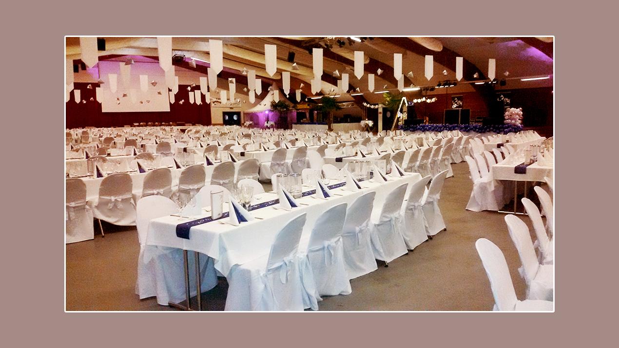 Festliche Atmosphäre in Heidmark-Halle mit der Kapazität bis 800 Gäste