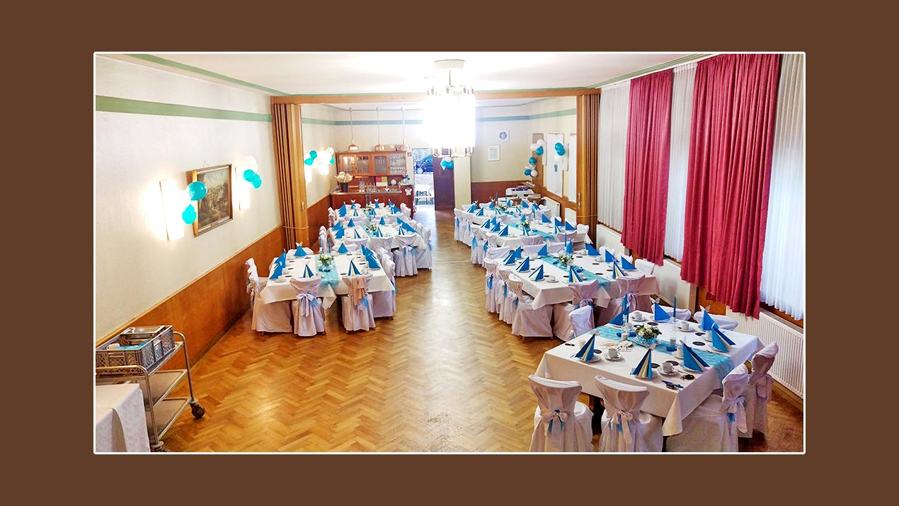 Hochzeitslocation Gasthaus zur Post in Bubenreuth bei Erlangen Nürnberg mit Stuhlhussen dekoriert