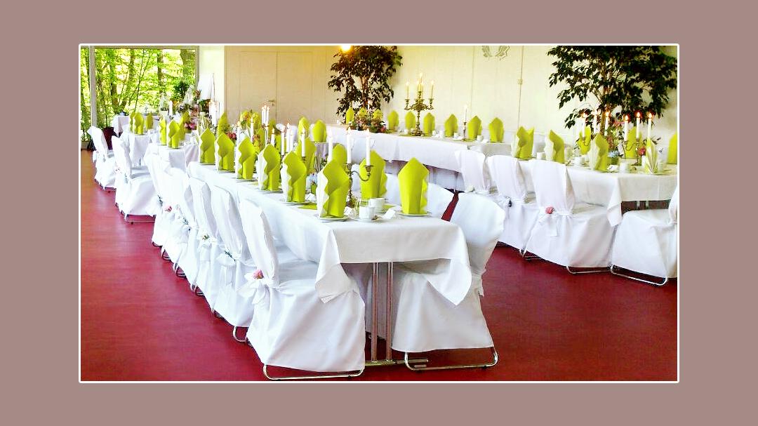 Mainzpavillion Ega Park Erfurt Hochzeit feiern Hochzeitsdeko mit Stuhlhussen