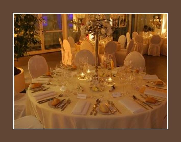 Hochzeitslocation Festsaal 80 bis 150 Personen Bad Homburg vor der Höhe Central Garage Mainz Wiesbaden Tischdeko