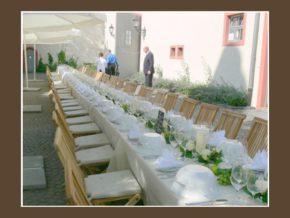 Zehntscheune Schloss Hochzeitslocation Hochheim Hof Terrasse 100 Personen Wiesbaden